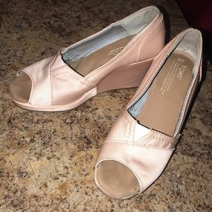 Women's TOMS Light Pink Wedges Size 8